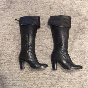 SE Boutique black leather boots